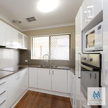Rent this 3 bed townhouse on 7/17 Coolidge Street