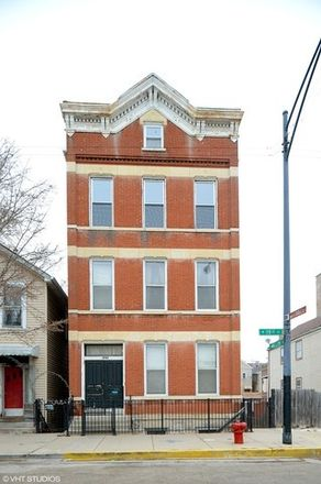 Rent this 3 bed townhouse on 1020 West 19th Street in Chicago, IL 60608