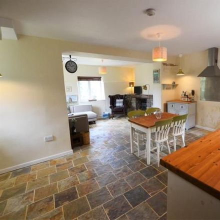 Rent this 2 bed house on The Queens Head in 22 Queen's Road, Bristol