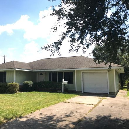 Rent this 3 bed house on 3821 Boyd Avenue in Groves, TX 77619