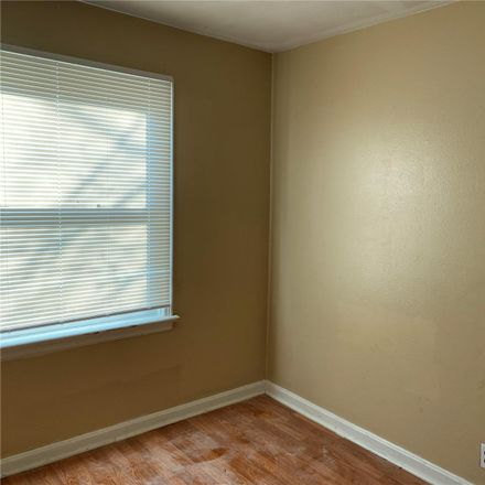 Rent this 3 bed house on Bakewell Dr in Saint Louis, MO