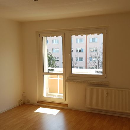Rent this 3 bed apartment on Max-Müller-Straße 42 in 09123 Chemnitz, Germany