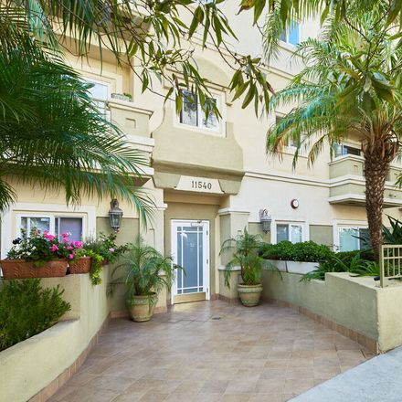 Rent this 3 bed condo on 11540 Rochester Avenue in Los Angeles, CA 90025