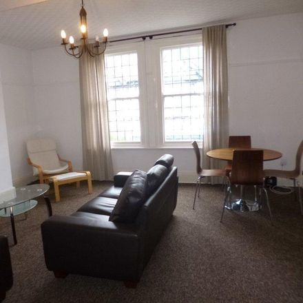 Rent this 3 bed apartment on Ecigwizard in 40 High Road, Nottinghamshire NG9 2JP