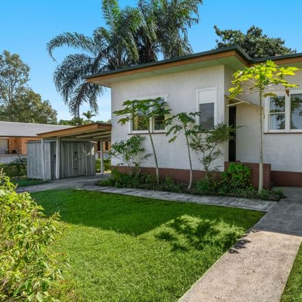 Rent this 3 bed house on 110 Oakley Avenue