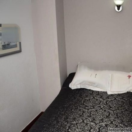 Rent this 3 bed room on Av de la Reina Victoria in 45, 39004 Santander