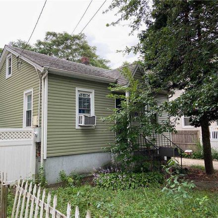 Rent this 3 bed house on Hempstead in NY, US