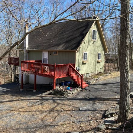 Rent this 3 bed house on Cherry Ridge Rd in Bushkill, PA