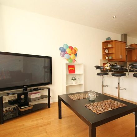 Rent this 3 bed apartment on Old Ford in 39 Hewison Street, London E3 2EU