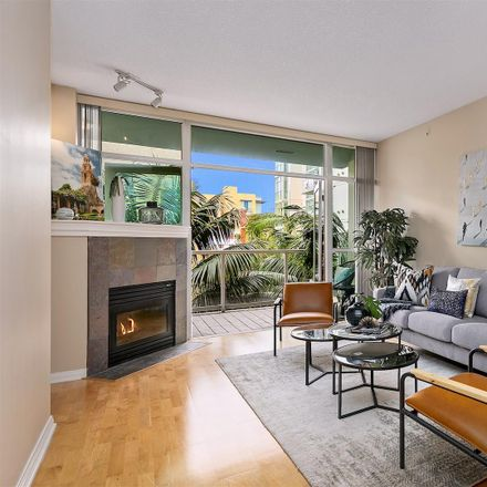Rent this 1 bed townhouse on 850 Beech Street in San Diego, CA 92101