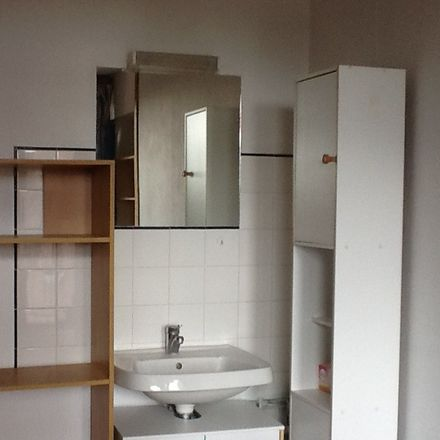 Rent this 3 bed room on 12 Rue des Clairières Orange in 95000 Cergy, France