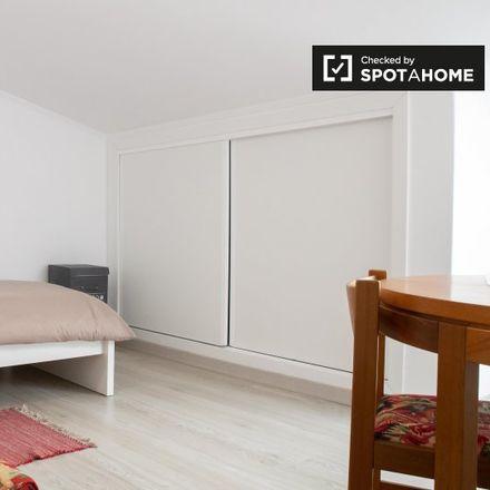 Rent this 12 bed room on Rua Professor Branquinho da Fonseca in 2775-054 Carcavelos e Parede, Portugal