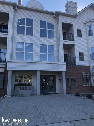 Rent this 1 bed condo on 39162 Hayes Road in Sterling Heights, MI 48038