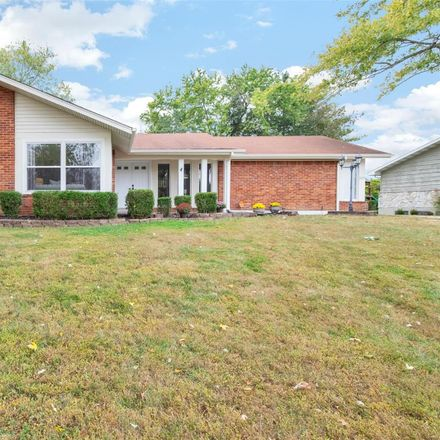 Rent this 4 bed house on 325 Baxter Road in Ballwin, MO 63011