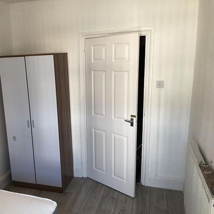 Rent this 2 bed apartment on Eversley Road in Swansea SA2 9, United Kingdom