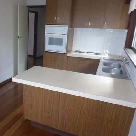 Rent this 2 bed apartment on 5/11 Hotham Street