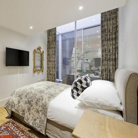Rent this 3 bed apartment on 24 Pembridge Villas in London W11 3EP, United Kingdom
