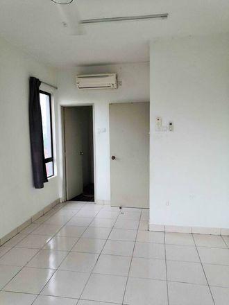 Rent this 3 bed apartment on Jalan Sri Permaisuri in Bandar Sri Permaisuri, 51020 Kuala Lumpur