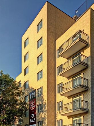 Rent this 2 bed condo on E 19th St in Brooklyn, NY