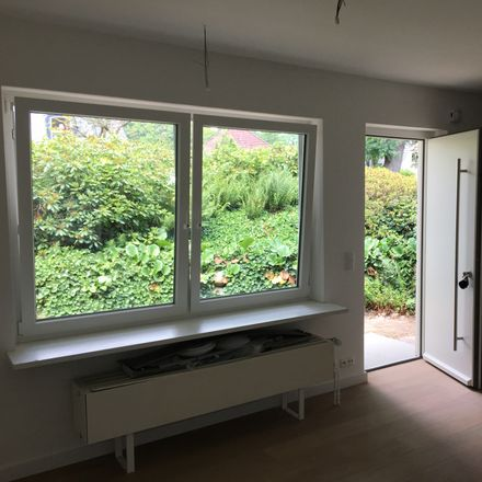 Rent this 2 bed townhouse on 22339 Hamburg