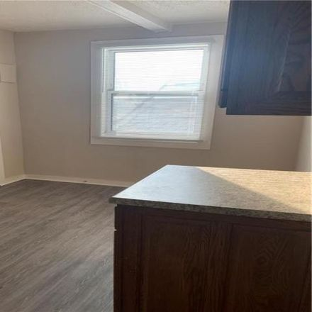 Rent this 2 bed house on 2527 Southeastern Avenue in Indianapolis, IN 46201