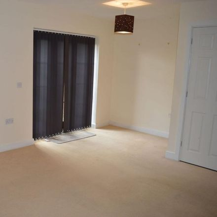 Rent this 3 bed house on Far End in Northampton NN5 5FN, United Kingdom
