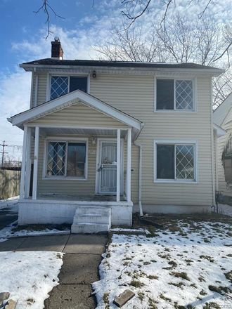 Rent this 2 bed house on 12944 Winthrop Street in Detroit, MI 48227
