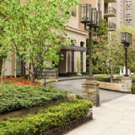 Rent this 2 bed apartment on 475 East 72nd Street in New York, NY 10021