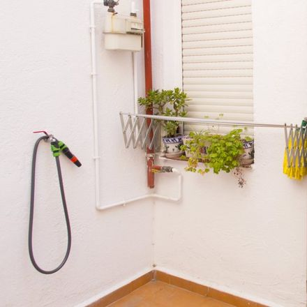 Rent this 1 bed apartment on Hnos Alonso in Calle de Jerónima Llorente, 28001 Madrid
