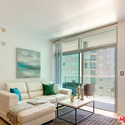 Rent this 1 bed condo on Marina Pointe Drive in Los Angeles, CA 90292