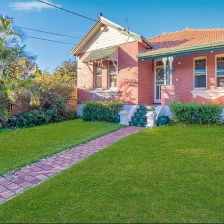 Rent this 5 bed house on 8 Alma Street