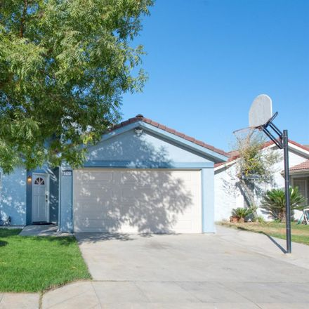 Rent this 3 bed house on 6711 North Constance Avenue in Fresno, CA 93722