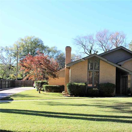 Rent this 3 bed house on 11 Stonegate Drive in Longview, TX 75601