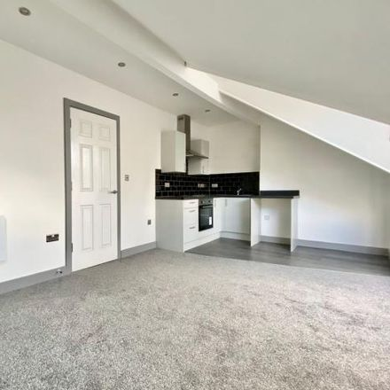 Rent this 1 bed apartment on Singh Mini Market in 121a Markham Avenue, Leeds LS8 4JD