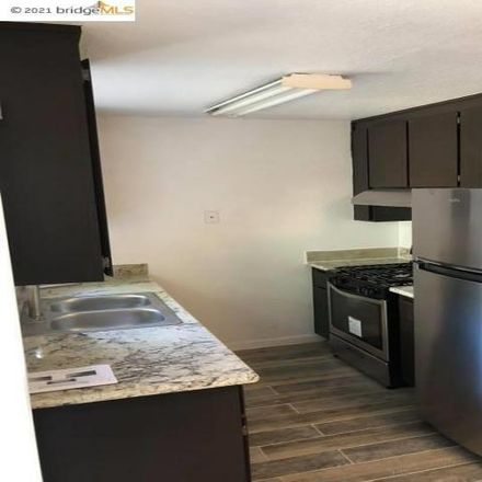 Rent this 3 bed apartment on 807 58th Street in Oakland, CA 94608