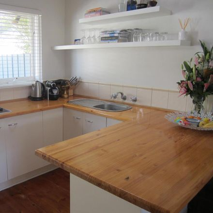 Rent this 1 bed apartment on 2/6 Broomfield Road