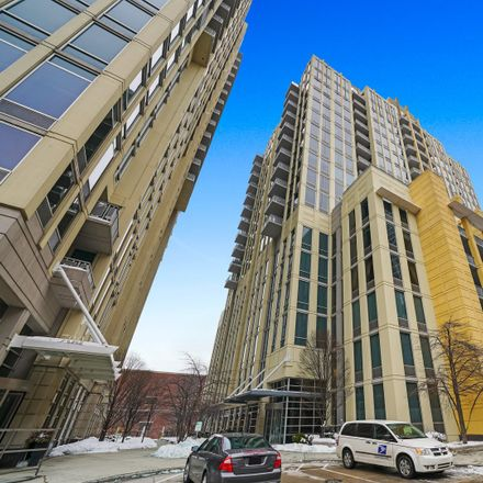 Rent this 2 bed loft on Two River Place in 718-720 North Larrabee Street, Chicago