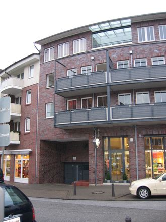 Rent this 2 bed apartment on Bergedorfer Schloßstraße 12 in 21029 Hamburg, Germany