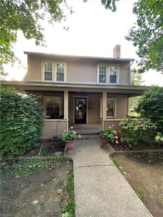 Rent this 3 bed house on 2237 Saint Clair Avenue in East Liverpool, OH 43920