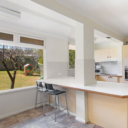 Rent this 5 bed house on Killarney Heights