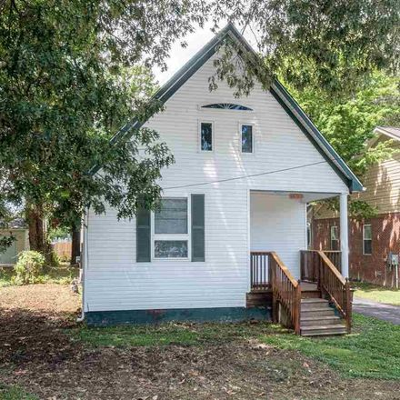 Rent this 3 bed house on Martin Luther King Jr Dr in Paducah, KY