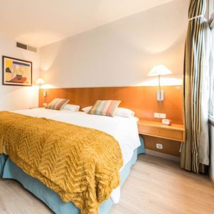 Rent this 2 bed apartment on Aparcabicis Ejes principales del Plan Director in Calle de Juan Ramón Jiménez, 28001 Madrid