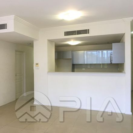 Rent this 3 bed apartment on B104/27-29 George St