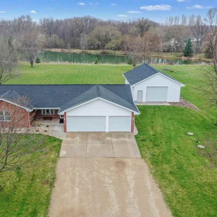 Rent this 3 bed house on Freedom Rd in De Pere, WI