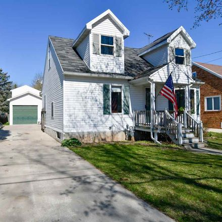 Rent this 3 bed house on 232 Quinton Street in Green Bay, WI 54302