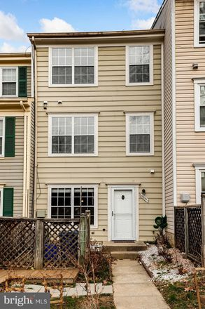 Rent this 3 bed condo on 19741 Teakwood Circle in Germantown, MD 20874
