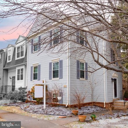 Rent this 4 bed townhouse on 6151 Green Hollow Court in West Springfield, VA 22152