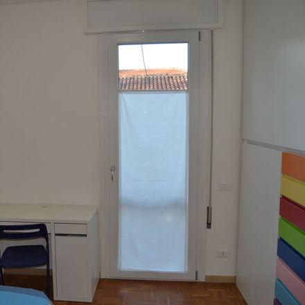 Rent this 5 bed room on Via S. Pio X in Padova PD, Italia