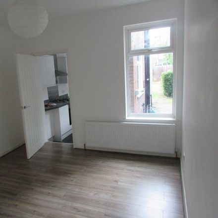 Rent this 3 bed house on Frederick Street in Luton LU2 7RF, United Kingdom