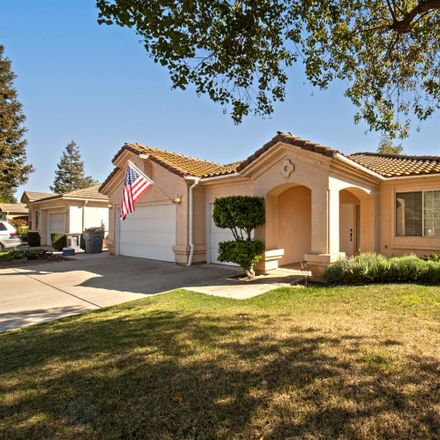 Rent this 3 bed house on 5609 West Decatur Avenue in Fresno, CA 93722